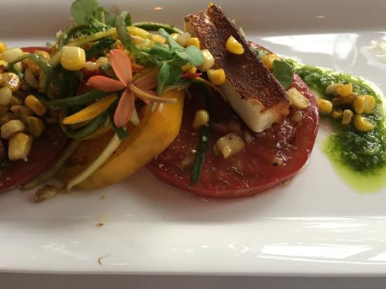 Winsor House Inn Restaurant: Heirloom tomatoes grown in the garden of the Winsor House Inn