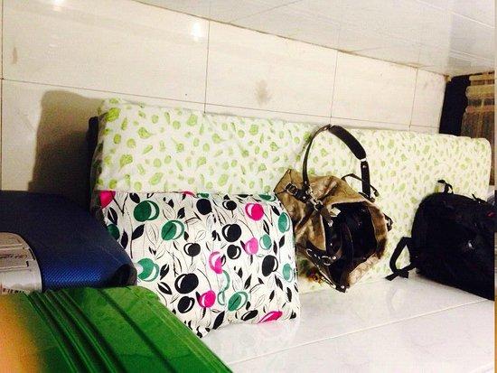 Hong Kong Tai Wan Hotel: This is the single standard room ACTUAL PHOTO