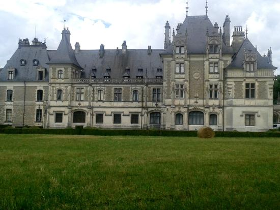 Fa ade ch teau picture of chateau et domaine de menetou for Chateau de menetou salon
