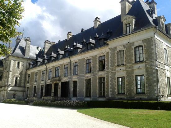 Fa ade ch teau foto di chateau et domaine de menetou - Menetou salon chateau ...