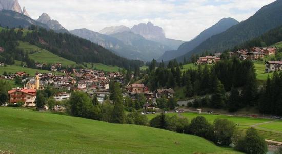 Hotel de Fronz: Soggiorno estivo a Soraga, Val di Fassa, Trentino.