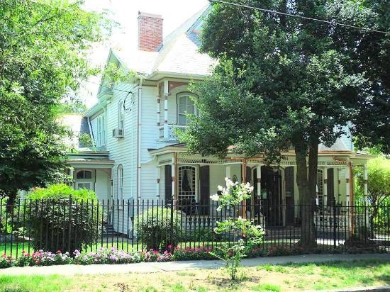 Historic Oakwood: home