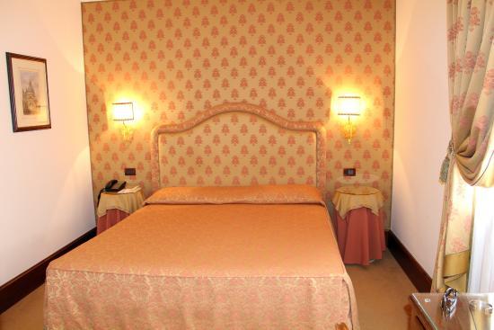 Hotel Monaco & Grand Canal: номер