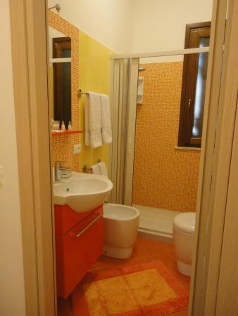 B&B Pietre Preziose : Camera Ambra - bagno