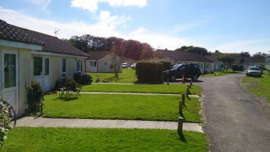 Parkdean - Mullion Holiday Park: Bungalows Area