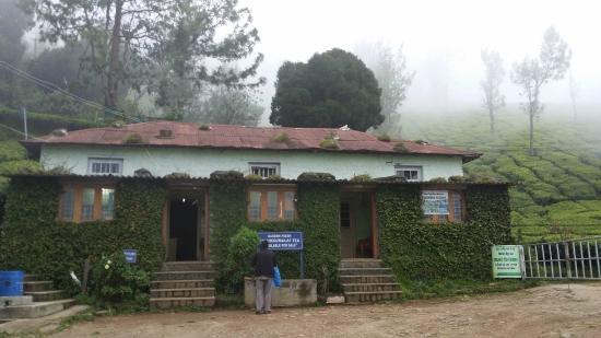 Kolukkumalai Mountain Hut