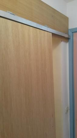 Hotel Orsan: Sling Door To Close The Bathroom
