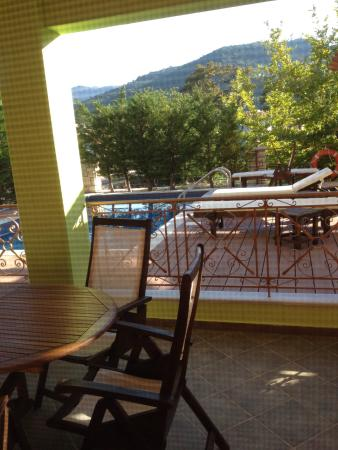 Asproyerakata, Greece: Lovely place!! Beautiful and quiet and soo very clean. Would love to come in the winter also nex