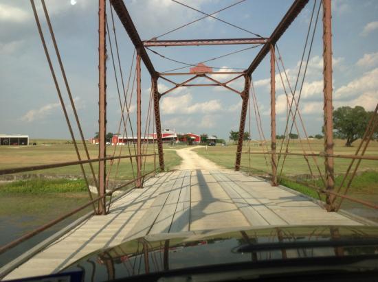 Burton, TX: How great is this antique bridge?!