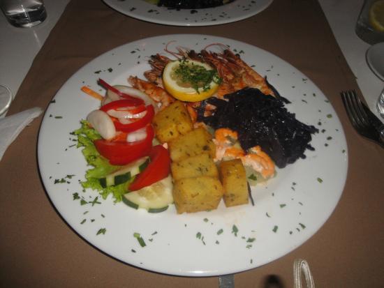 Restaurante Fados: Gambas grillées et accompagnements