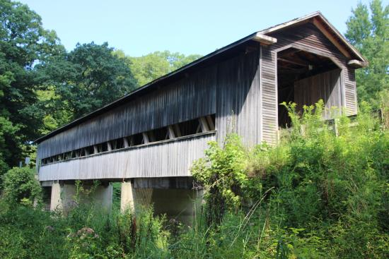 ‪Middle Road Covered Bridge‬