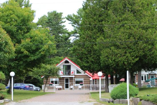 Providence Bay, Canadá: Red Rooster