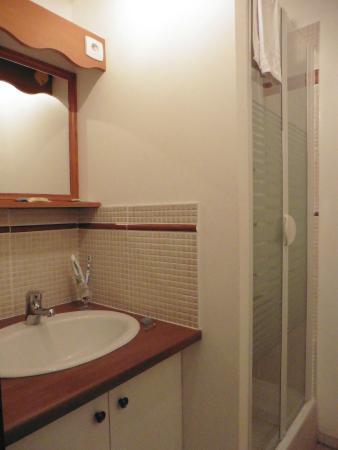 AUBERGE DU MAS D'ALIVON : Salle de bains