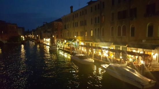 Alloggi Marinella: vanaf een brug vlakbij het hotel