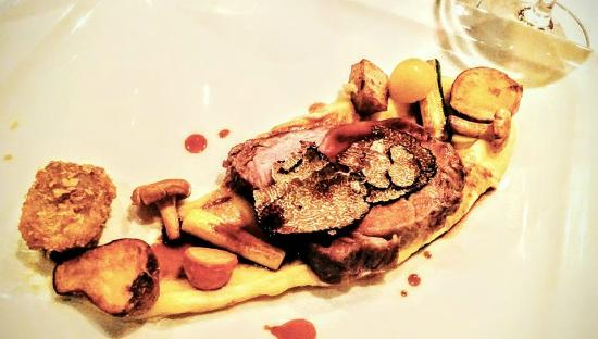 Crocus Gere Bor Hotel & Resort: veal saddle with truffles