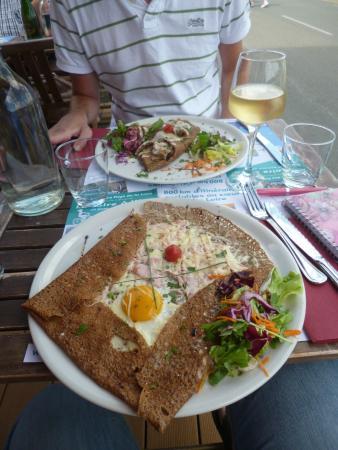 La Dentellière : ham, egg and cheese