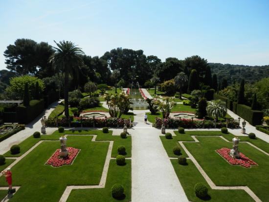 Les jets d 39 eau picture of villa jardins ephrussi de for Villa jardins ephrussi de rothschild