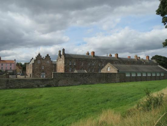 ‪Berwick upon-Tweed Barracks and Main Guard‬