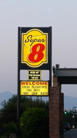 Super 8 Grand Junction Colorado: front sign
