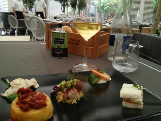 Seleção de aperitivos do Chef - Picture of Corteinfiore, Trani ...