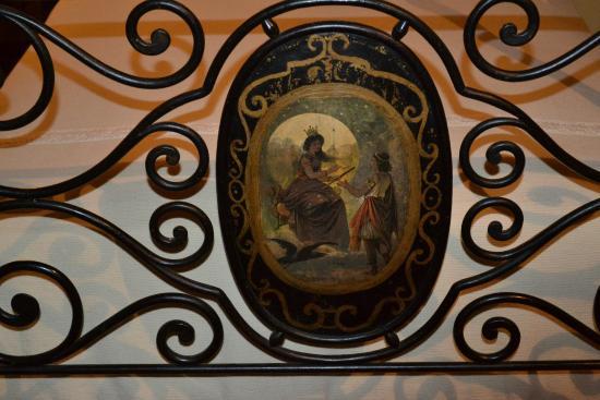 Villa Il Paradisino: Bed detail