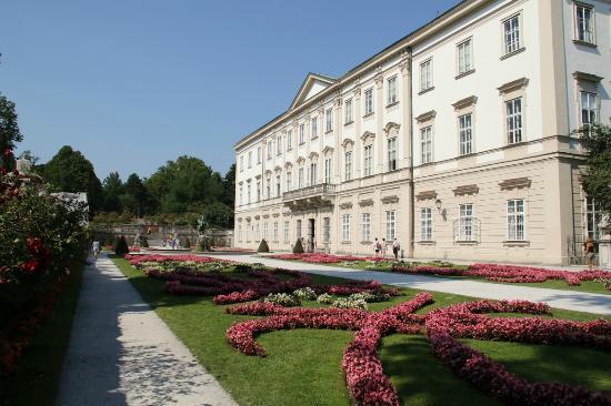 Mirabell slott og hager: Mirabell palace