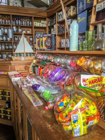 Pannikin Encinitas Cafe : Candy Counter