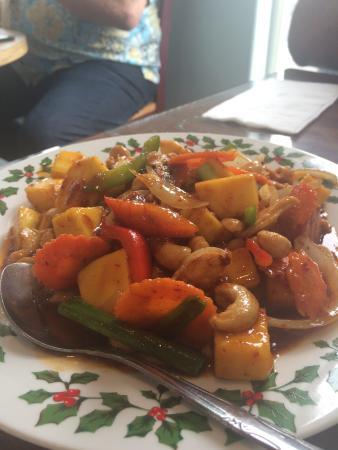 Nisa's Thai Kitchen: Mango Stir Fry