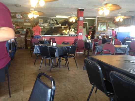 Cross, SC: Inside Mac Daddy's