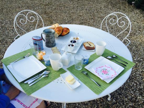 Domaine de Pellerey : Breakfast