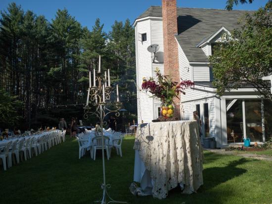 Perkinsville, Вермонт: The Inn ready for 2015 Farm dinner