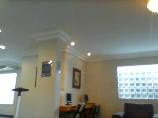 Plaza Inn Flat Goiania: Recepção