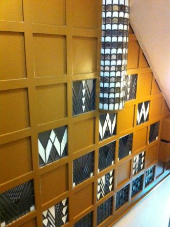 78 Derngate: Staircase Screen