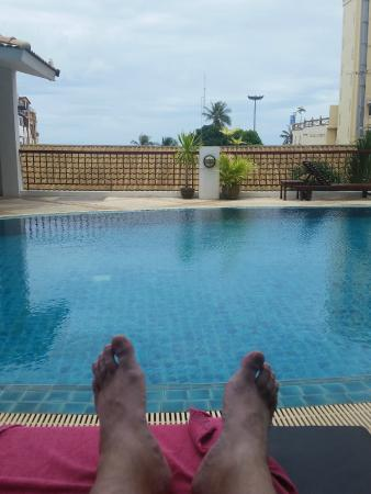 Sandy Spring Hotel: From the poolside