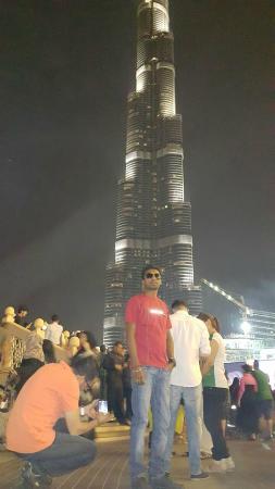 Burj Khalifa: infront of bhurj