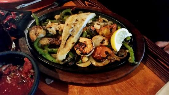 Don Pepper's Mexican Grill and Cantina : Seafood fajita