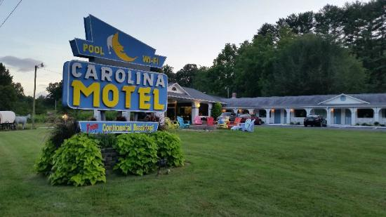 Carolina Motel: A pleasant, clean place to stay.