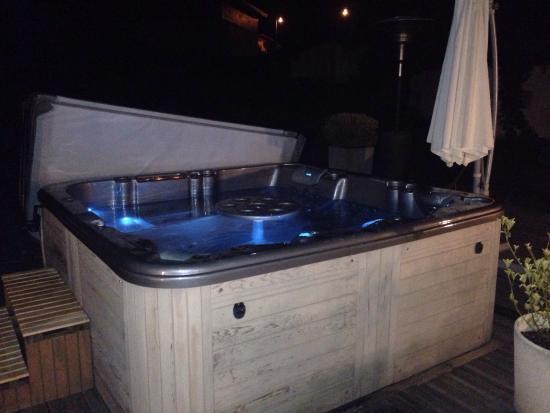 Hotel de la cascade aigueblanche france voir les for Aigueblanche piscine
