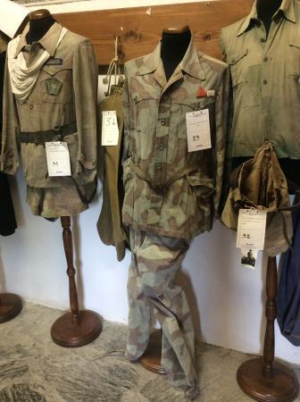 Carpasio, Italien: Uniformi