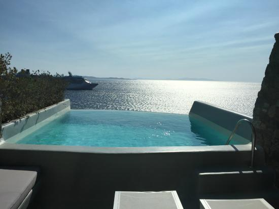 Cavo Tagoo: In suite pool