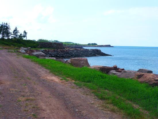 Fox Harb'r Resort: Along the shore