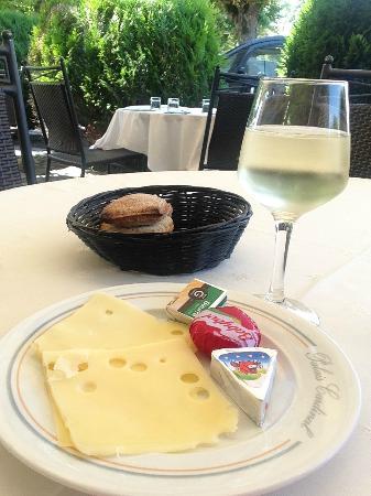 Hotel Palais Cardinal : The worst ever cheese platter