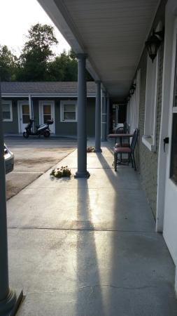 Motel Manor