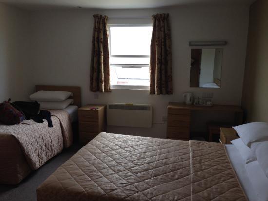 The Sandringham Hotel: Room 414
