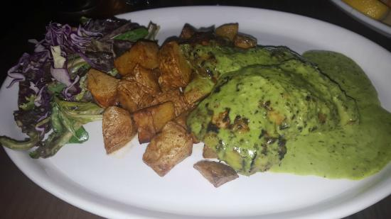 Incredible chicken pesto special! - Photo de Mundo, Astoria ...