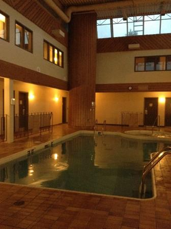 BEST WESTERN PLUS Sun Country: I asked to be close to the pool & sauna.. I was..