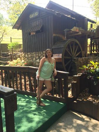 Sugar Creek Mini Golf: Pro Mini Golfer! ;)