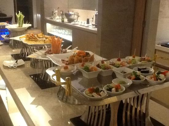 Liberty Central Nha Trang Hotel: Afternoon tea? yes please