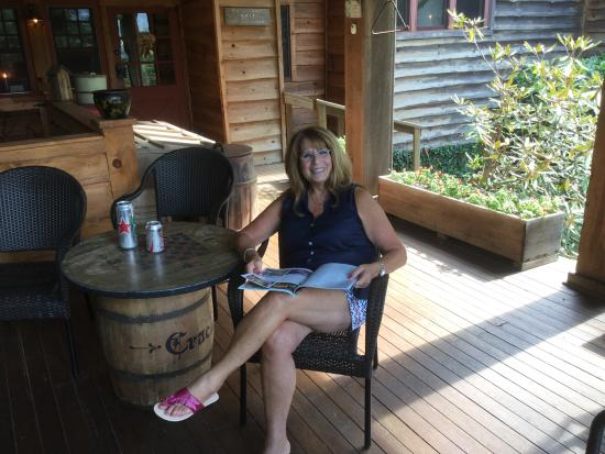 Beechwood Inn : Front porch