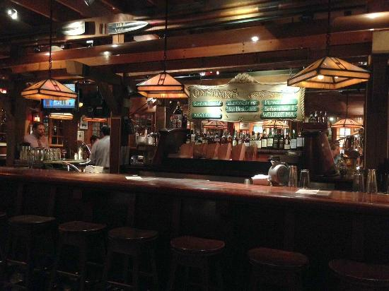 Clyde's At Mark Center: Bar